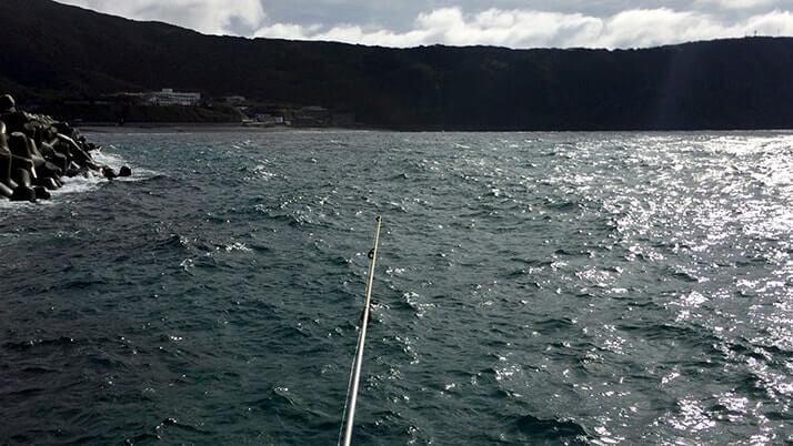 ハタンポで釣りメシ!ハタンポの刺身&塩焼きが絶品すぎた【神津島釣りキャンプ】