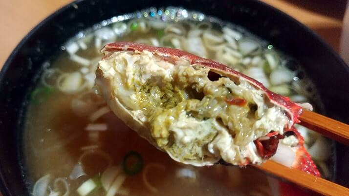 メバルの漬け丼とクジメの天ぷら+カニの味噌汁で釣りメシ定食