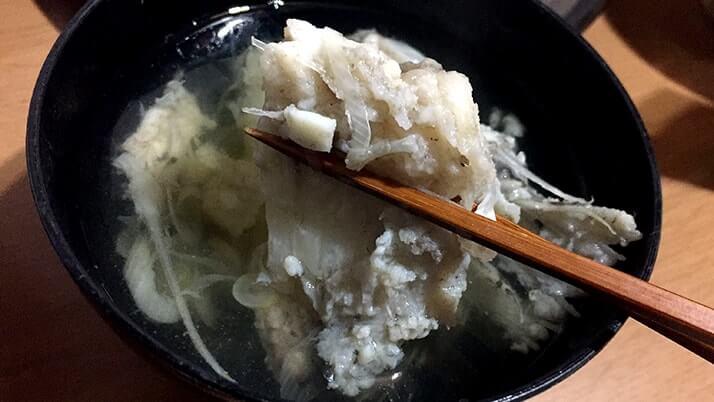 釣って寝かせたヒラメの薄造り・潮汁と小サバの天ぷら…〆はヒラメ茶漬け!