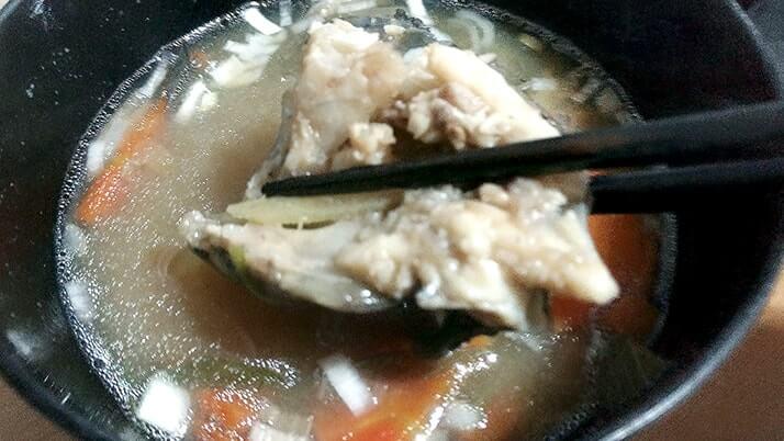 さばいた魚のアラを使ってあら汁!グレ・ムラソイ編【釣り飯】