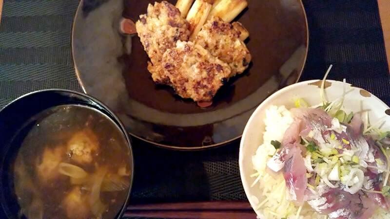 釣れたてアジ刺身丼&サバつみれ焼き・つみれ汁【釣り飯】