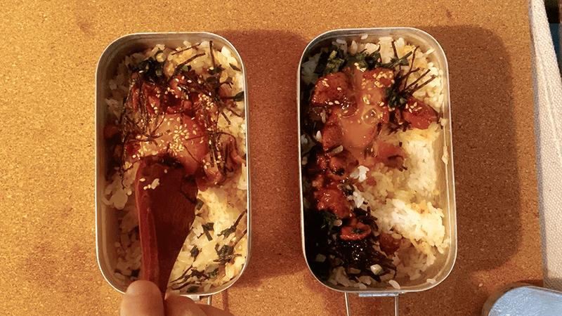 メスティン「缶詰焼き鳥丼」が簡単で旨い!|家でキャンプごはん【キャンプ料理レシピ】